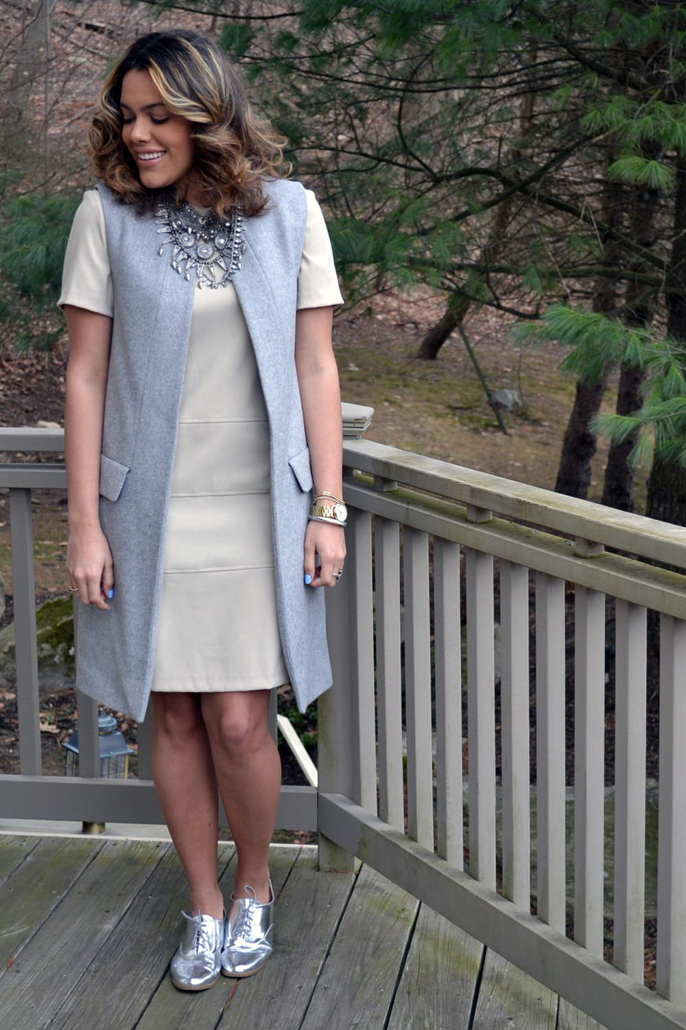 how-to-wear-zara-gray-vest-coat-suede-shift-dress-metallic-oxfords-2.jpg