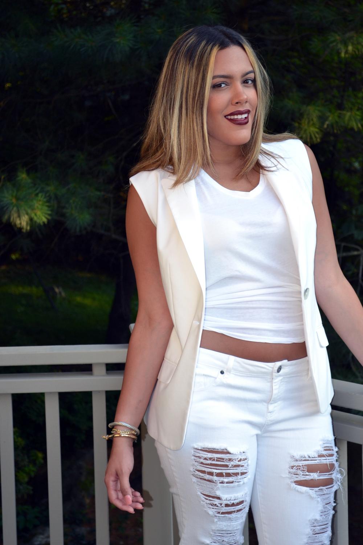 how-to-wear-all-white-khloe-kardashian-look-for-less.jpg
