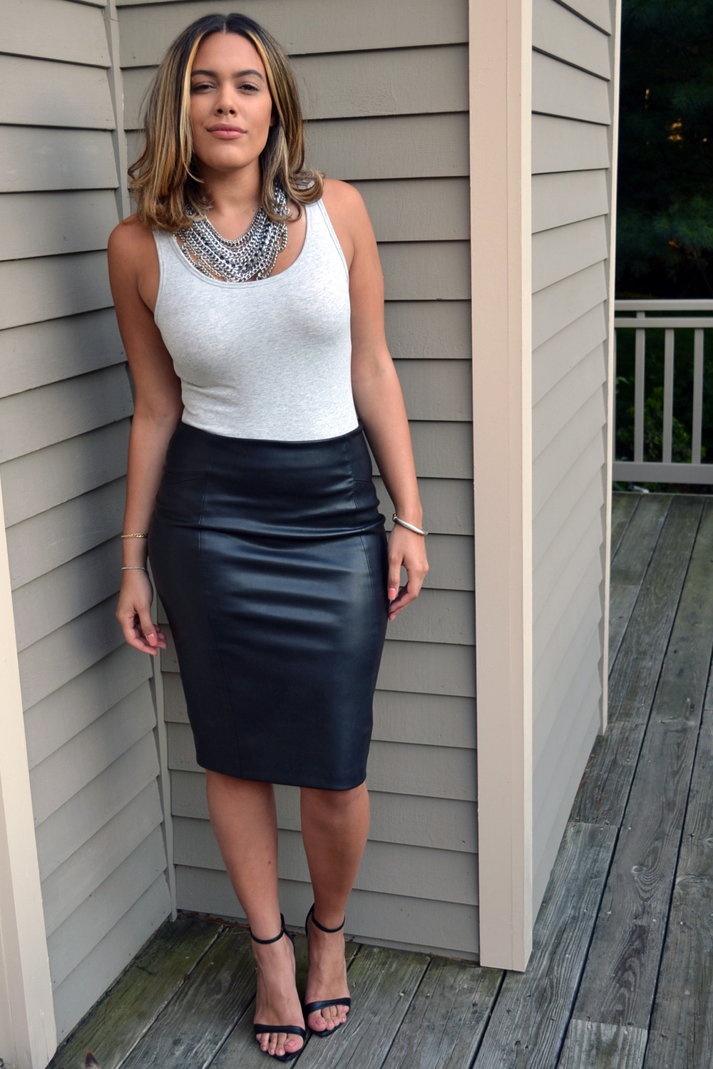 how-to-wear-zara-leather-pencil-skirt-express-bodysuit-baublebar-chainmaille-bib-necklace-black-anklestrap-sandals.jpg