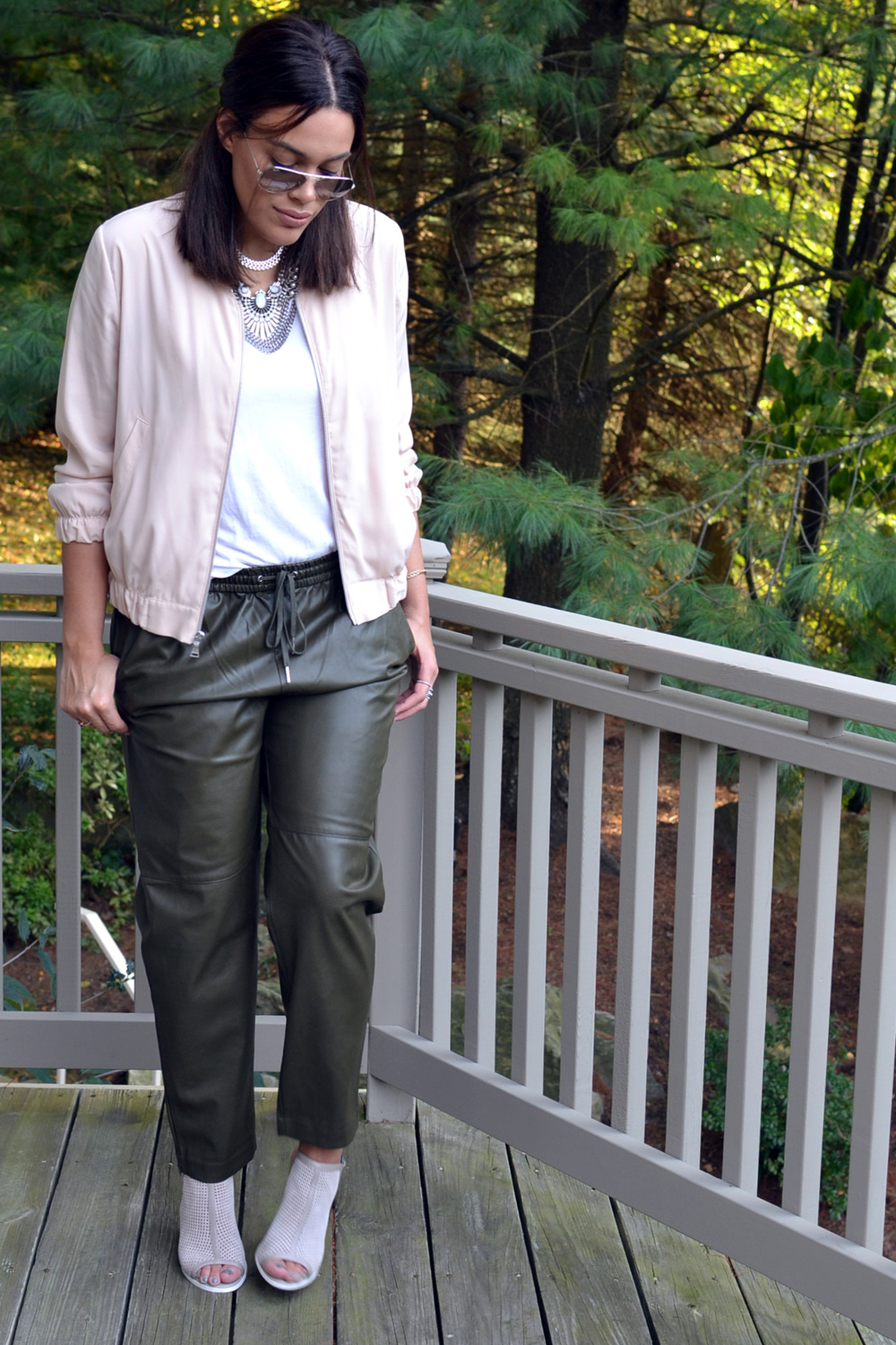how-to-wear-hm-faux-leather-olive-green-joggers-trousers-express-bomber-jacket-kelsi-dagger-shoes.jpg
