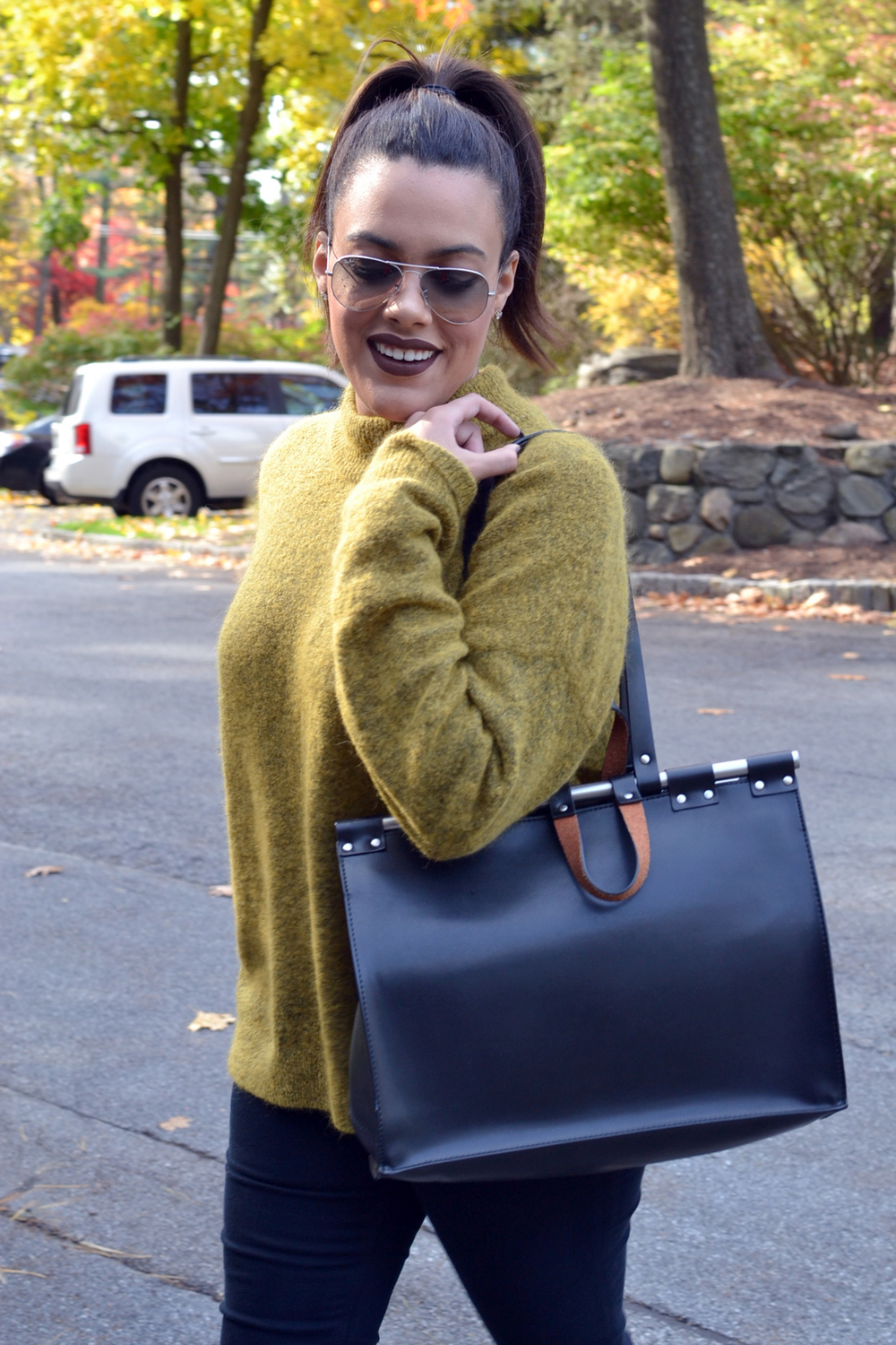 how-to-wear-hm-mustard-yellow-sweater-fall-fashion-zara-doctor-bag.jpg