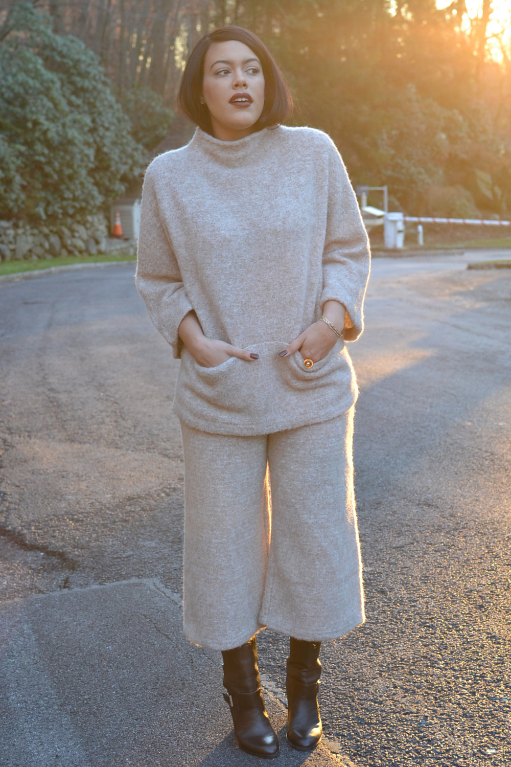how-to-wear-hm-wool-outfit-wool sweater-and-pants-zara-brown-boots.jpg