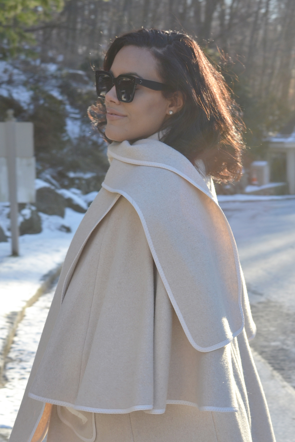 winter-white-how-to-wear-hm-wool-cape-zara-white-jeans-shoemint-pumps-celine-sunglasses.jpg
