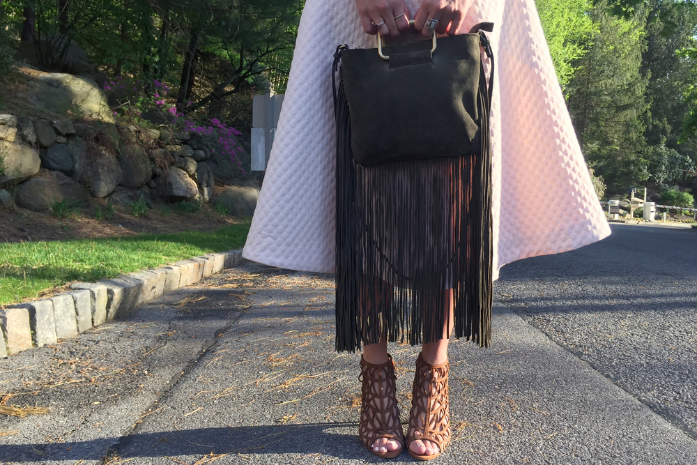 how-to-wear-pink-and-orange-zara-cage-heels-zara-olive-fringe-bag.jpg