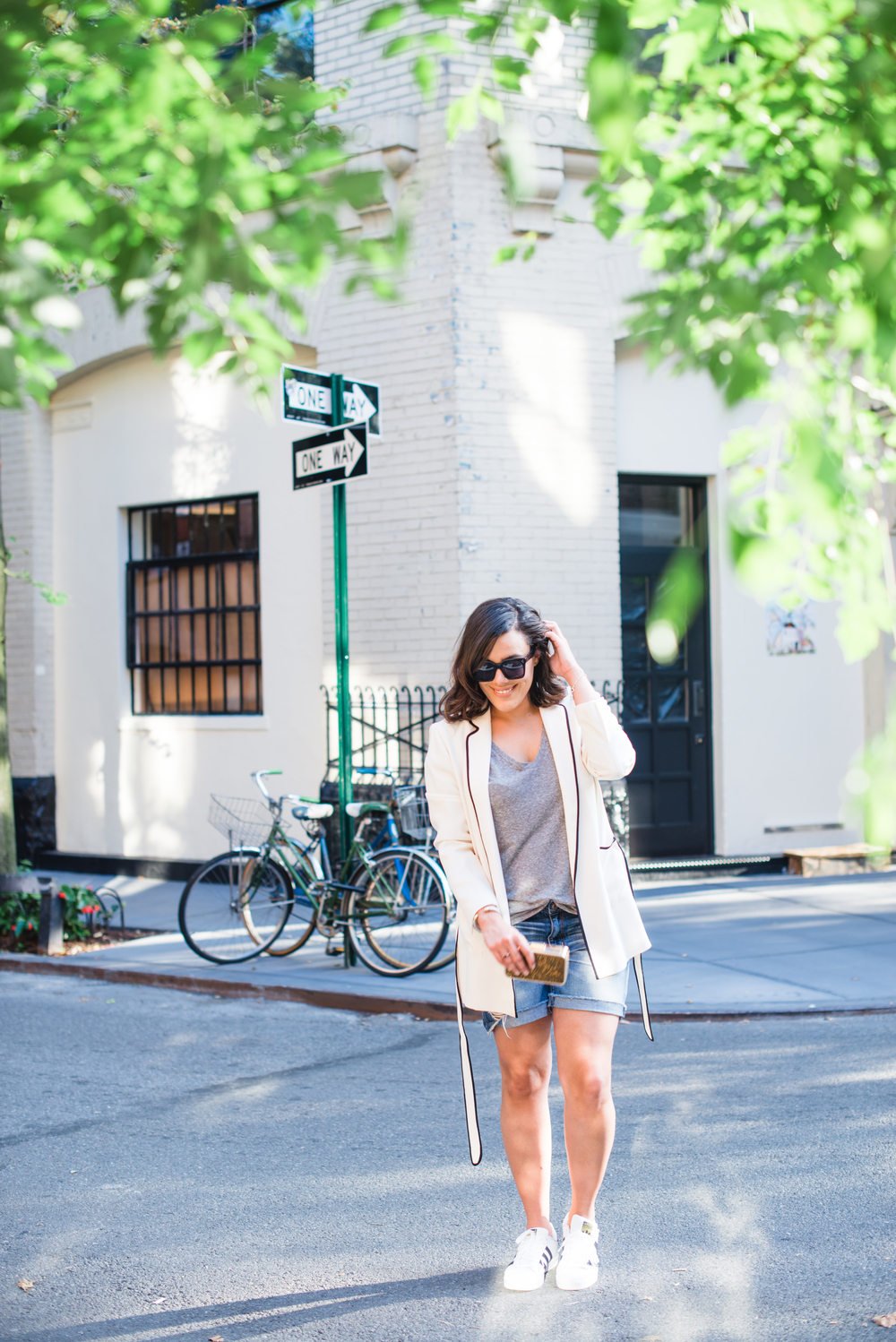 3-ways-to-dress-up-your-denim-shorts-this-summer-american-eagle-denim-shorts-boyfriend-shorts-what-to-wear-when-it's-really-hot-outside-latina-new-york-city-fashion-blogger-style-operator-summer-fashion.jpg
