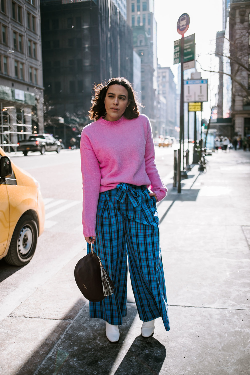 how-to-style-zara-plaid-trousers-pants-latina-new-york-city-fashion-blogger-style-operator-winter-fashion.jpg