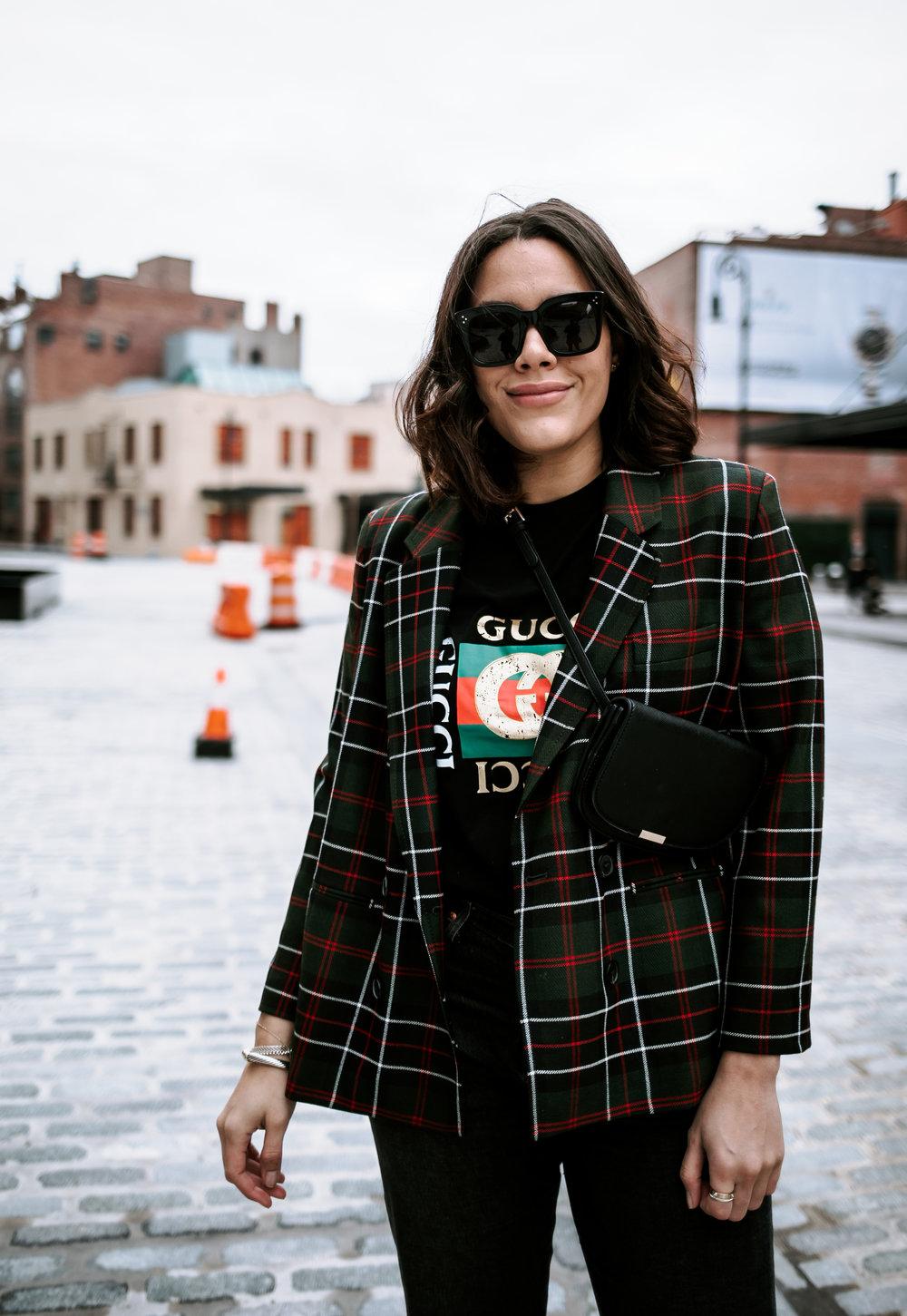 how-to-style-gucci-graphic-tshirt-zara-plaid-blazer-latina-new-york-city-fashion-blogger-style-operator-winter-fashion.jpg