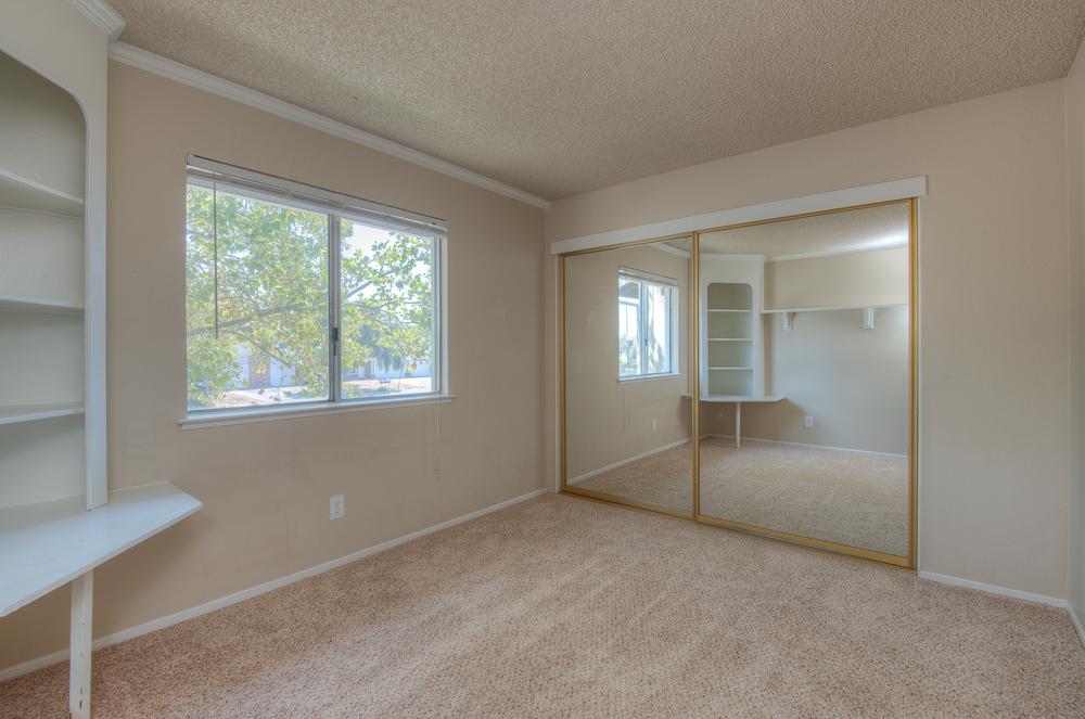 5577 Hillsdale Blvd_12.jpg
