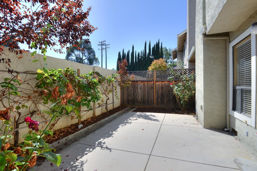 1084 Trevino Terrace_14.jpg