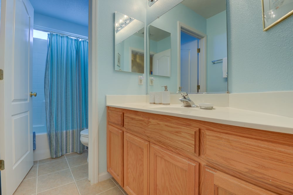 1038 Oakpoint Dr_38.jpg