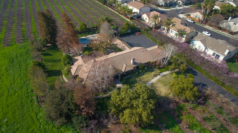 Aerial - Brentwood_17.jpg