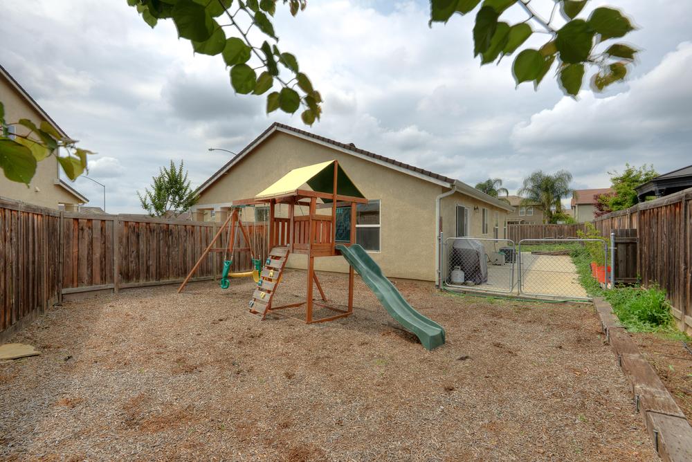 4554 Pine Grove Ct_25.jpg