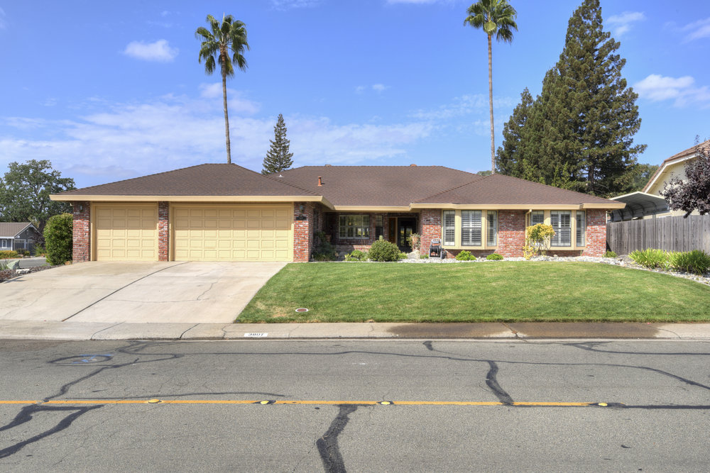 3807 Sweetwater Dr_1.jpg