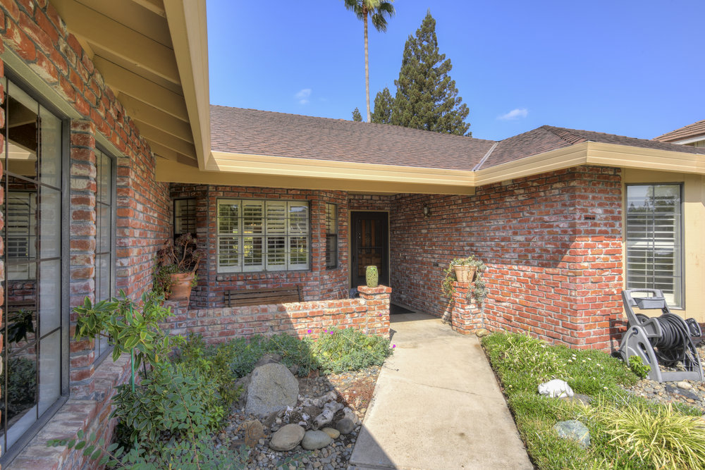 3807 Sweetwater Dr_3.jpg