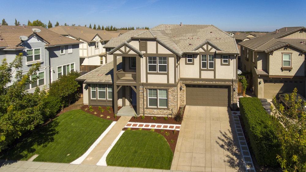 735 W Redlands Ave - aerials.jpg