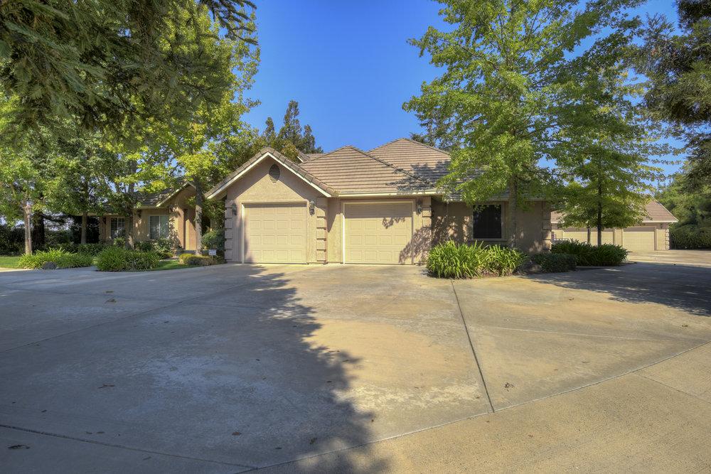 8518 Oak Creek Ct _1.jpg