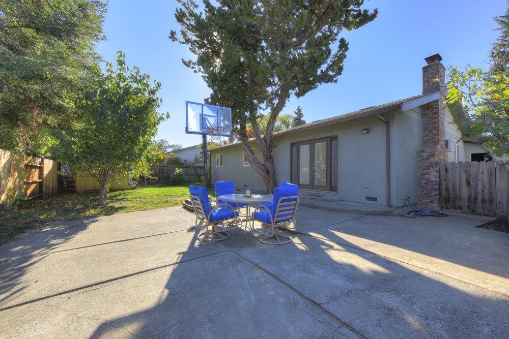4050 Glendale Ave _17.jpg