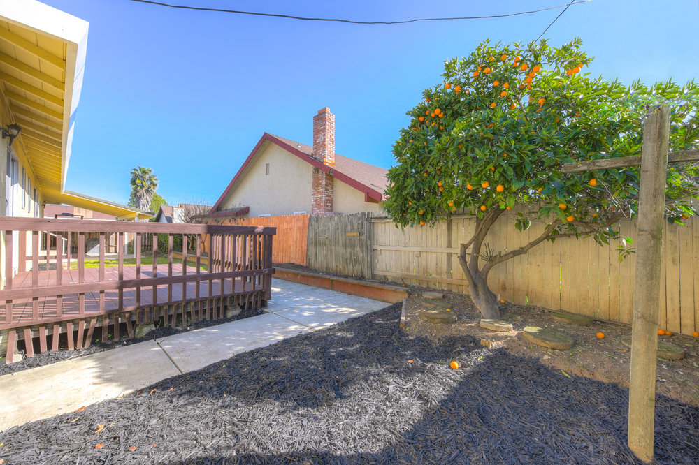 5300 Pomegranate Ave _3.jpg