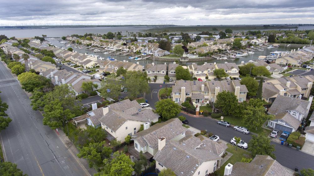 350 Plover Pl - aerial_5.jpg