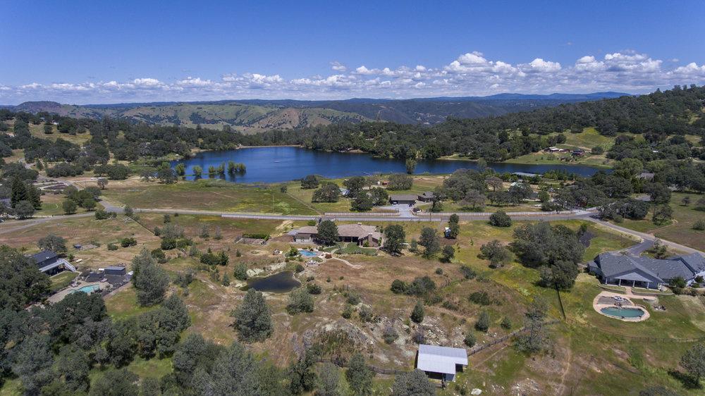 1150 Shoreline Dr - aerial_1.jpg