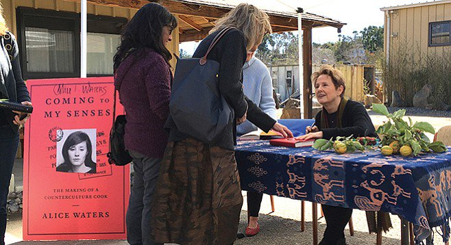 Alice-Waters_t658.jpg