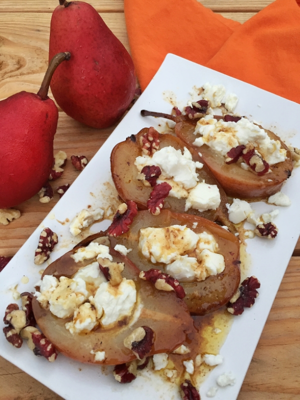 Butter-baked Pears with Goat Cheese