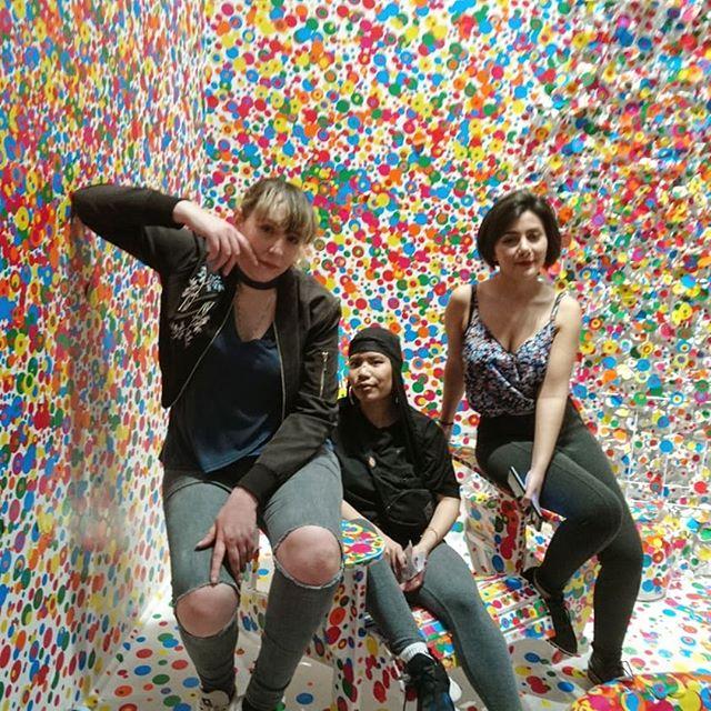 Girl gang @ladylovenotes @theozlimited @xeenajawad #infinitymirrors #girlgang #ago #yayoikusama #kusama #polkadots #toronto #artgallery #artgalleryofontario