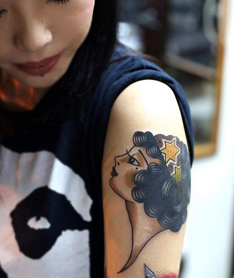 girl tattoo hong kong.jpg