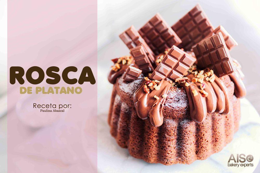 La Chef Paulina Abascal nos propone y sugiere que tengas una rosca, magdalena o ponque de Plátano, para poderla exhibirla en tus vitrinas.