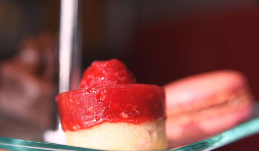strawberry-cakes-instore-the-chocolate-rooms-uk.jpg