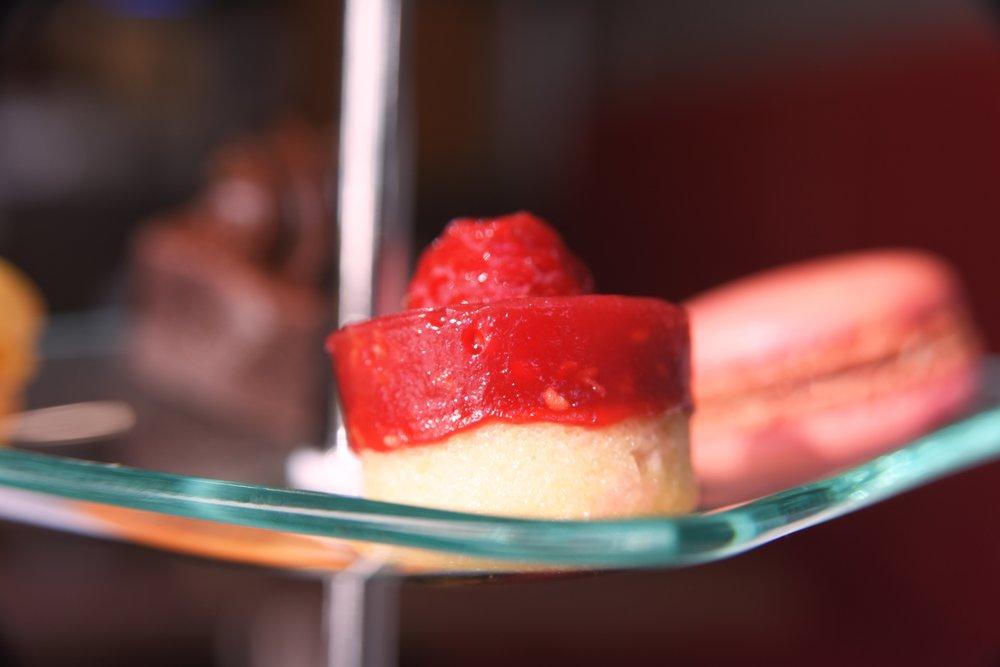 strawberry-cakes-the-chocolate-rooms-uk.jpg