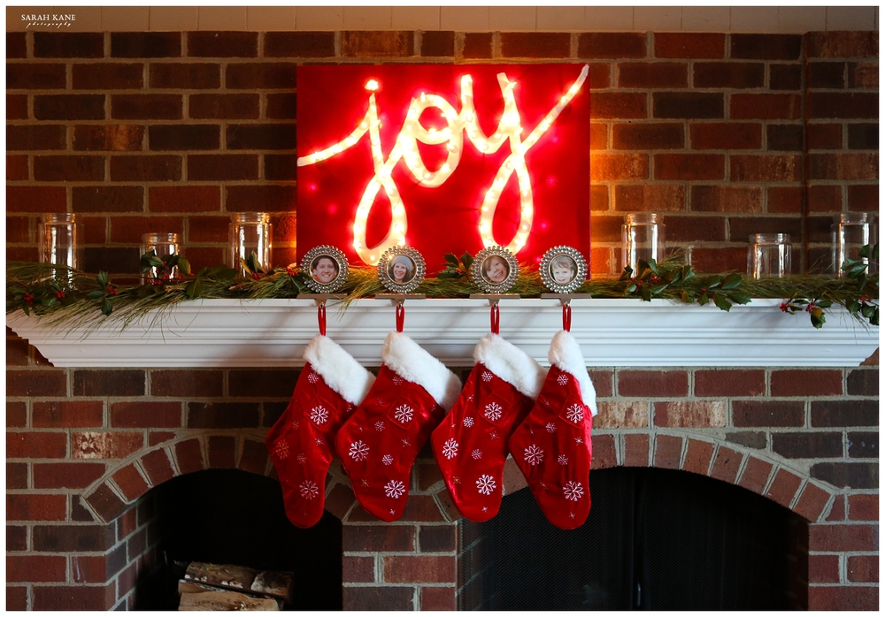 DIY christmas light up sign | sarah kane photography