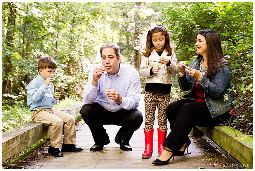 Lifestyle family portraits | www.sarahkanephotography.com