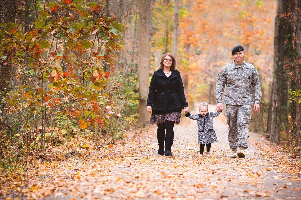 Abrams-FamilyPortraits-MidlothianCoalMinesParkVA-SarahKanePhotography005-2.jpg