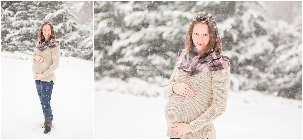 Maternity in the Snow 02.jpg
