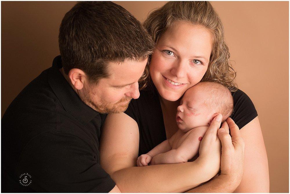 newborn portrait www.sarahkanephotography.com