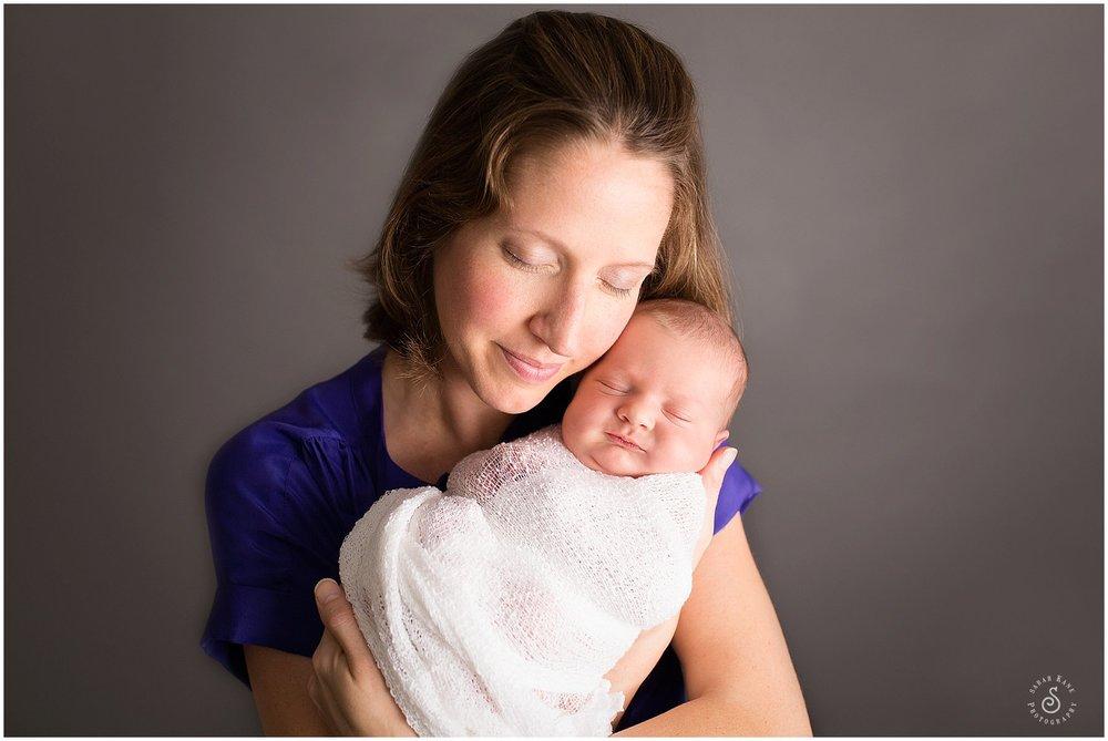 newborn portraits www.sarahkanephotography.com