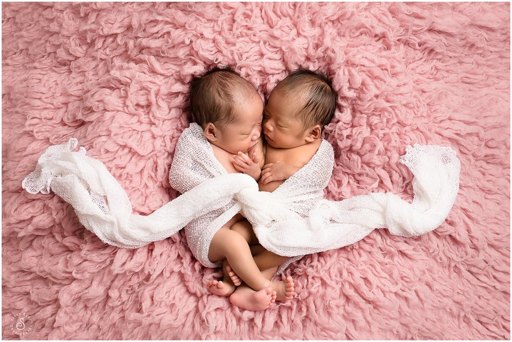 Newborn Twins Portraits 48-2.jpg