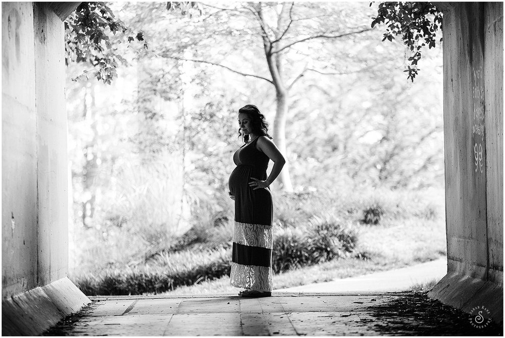 Maternity Portraits 01_.jpg