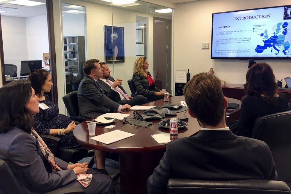 presentation-attendees-01.jpg