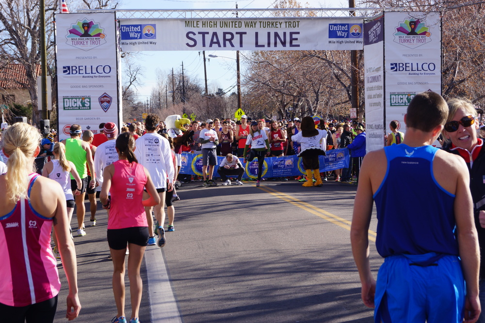 Turkey_Trot_2013_start_line.JPG