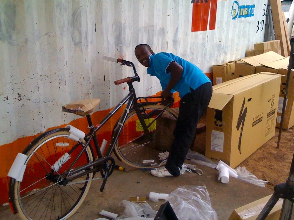 Sparks building Meketo's first Globe bike.