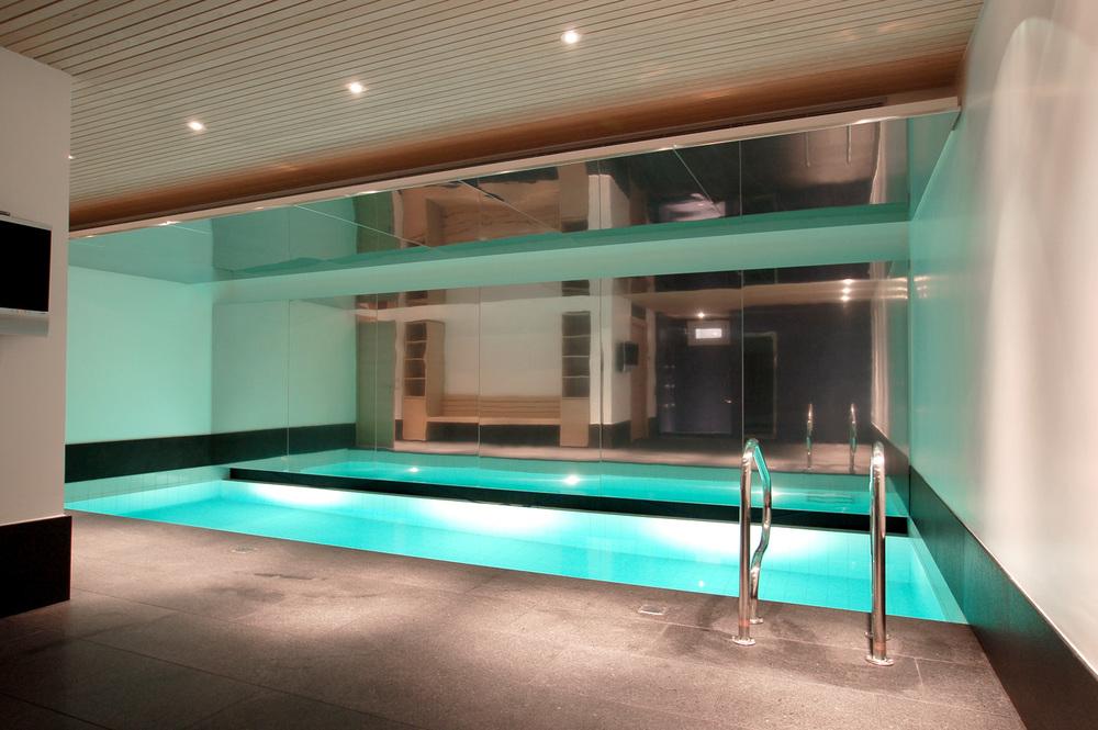 piscina interna casa sg