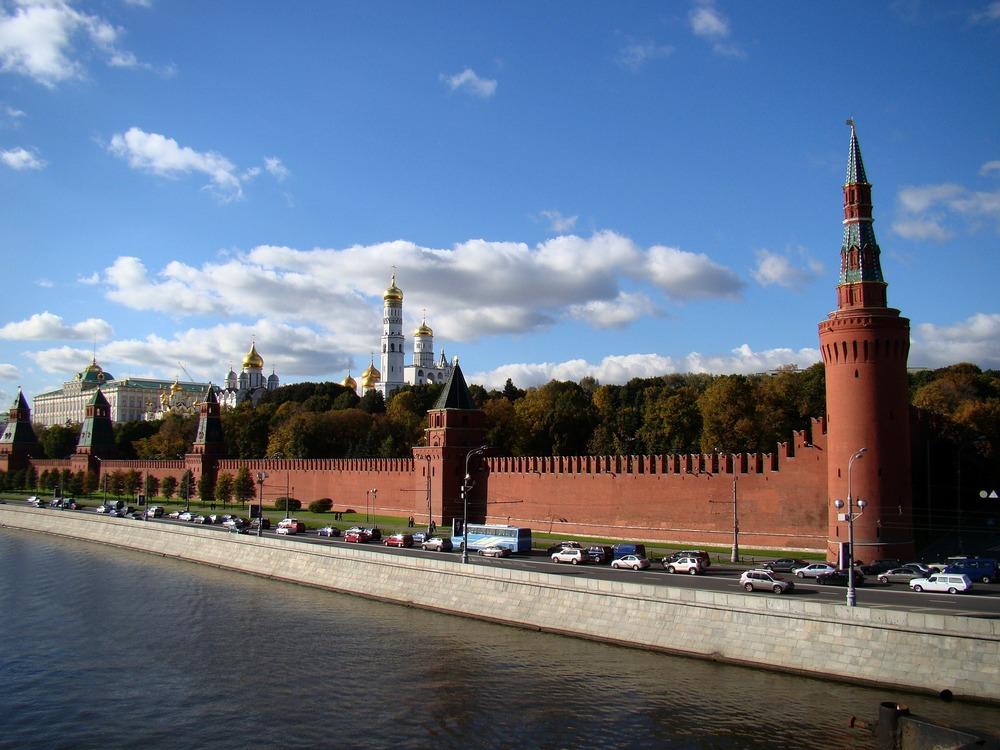 the-kremlin-177844_1920.jpg