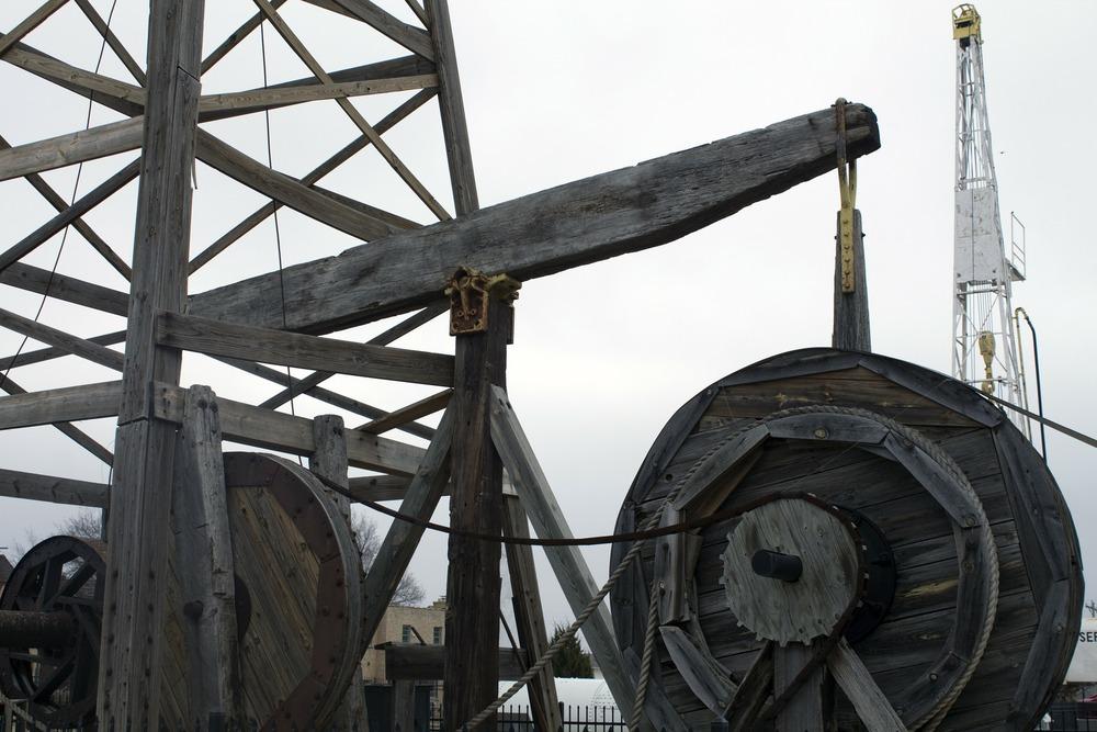 oil-field-76302_1920.jpg