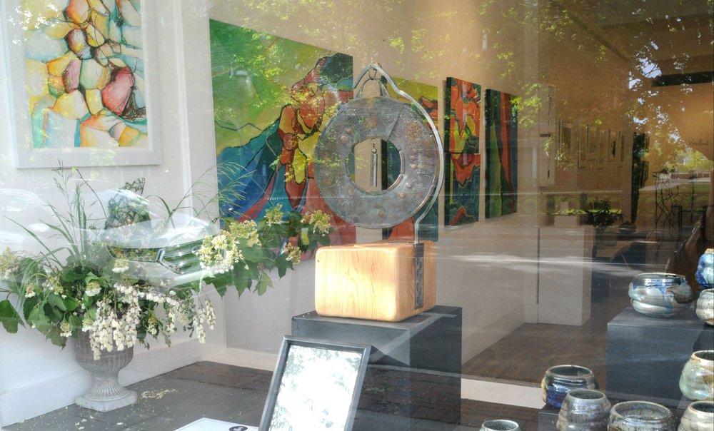 Gallery on Queen