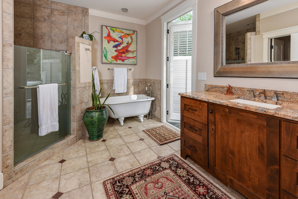 450 Coopers Hawk Dr Asheville-large-025-19-450 Coppers Hawk25-1499x1000-72dpi.jpg