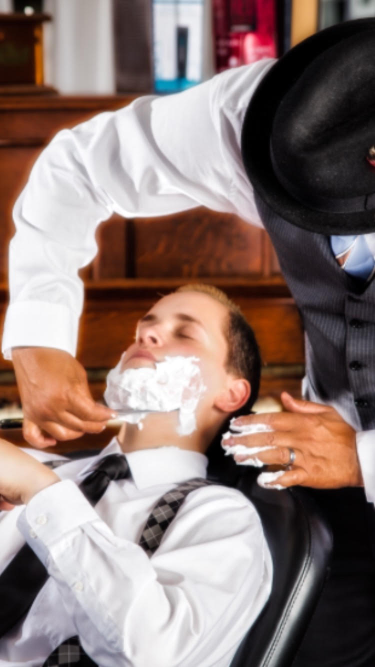 The-Savills-Shaving-Specialist-Course-1.jpg