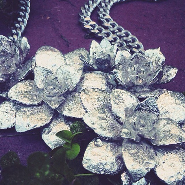 Closeup of our double chain #Succulent necklace #TYRAMIN #details #design  @tyramin_studio