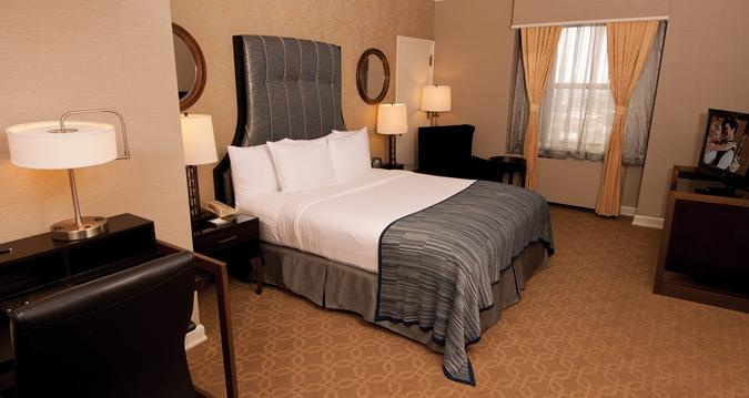 hilton bedroom.jpg
